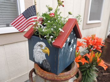 One of my planters made for the July 4 Holiday.